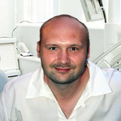 Маркозашвили Владимир Владимирович. Стоматолог-хирург-ортопед.